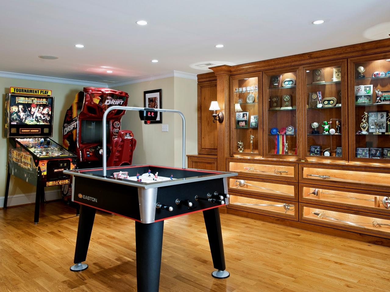 Photo page hgtv for Basement game room design