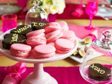 Original_Camille-Styles-Valentines-Day-Heart-Pound-Cakes-Beauty_s4x3