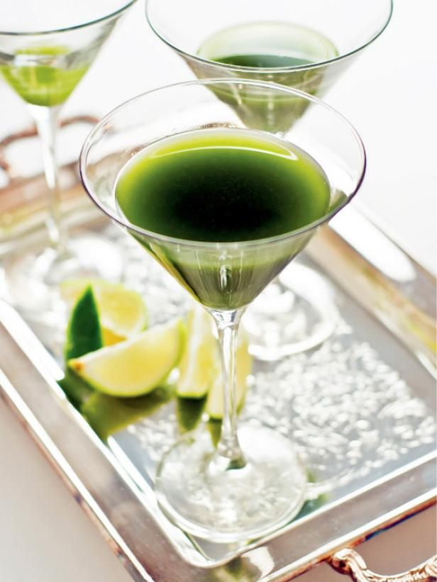 Matcha green tea gimlet recipe hgtv for Mixed drinks with green tea