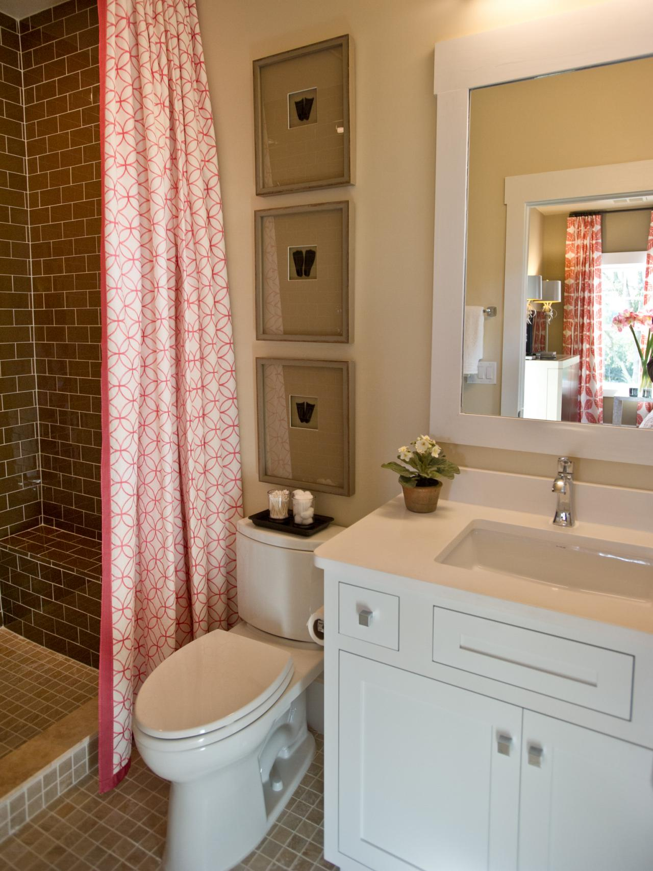 Guest bathroom from hgtv smart home 2013 hgtv smart home for Bathroom designs hgtv