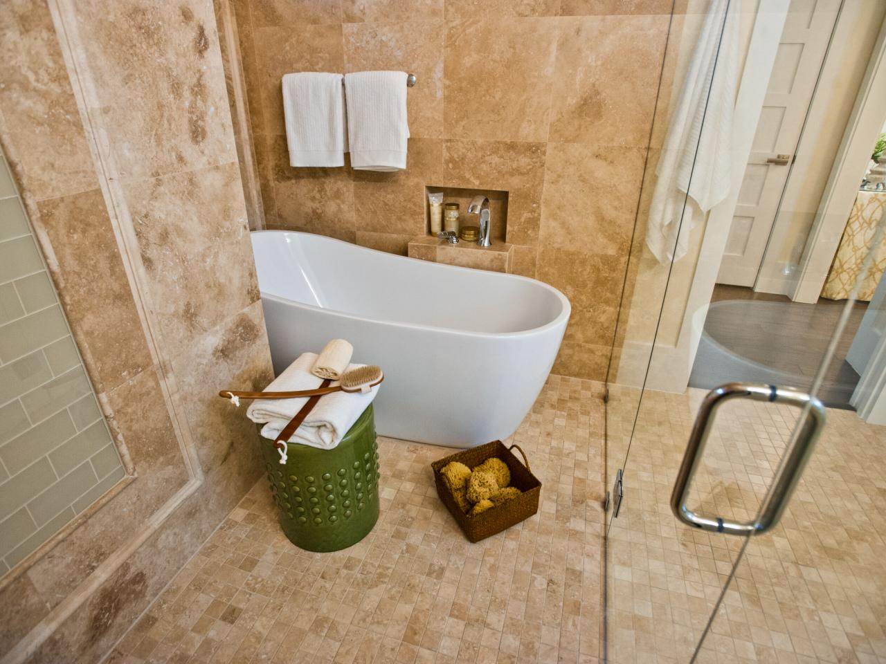 Tub and shower combos pictures ideas tips from hgtv hgtv for Bathroom tub and shower designs