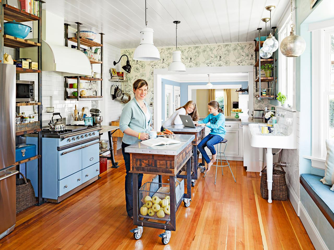 Quirky kitchen design ideas to steal from hgtv magazine for Kitchen ideas