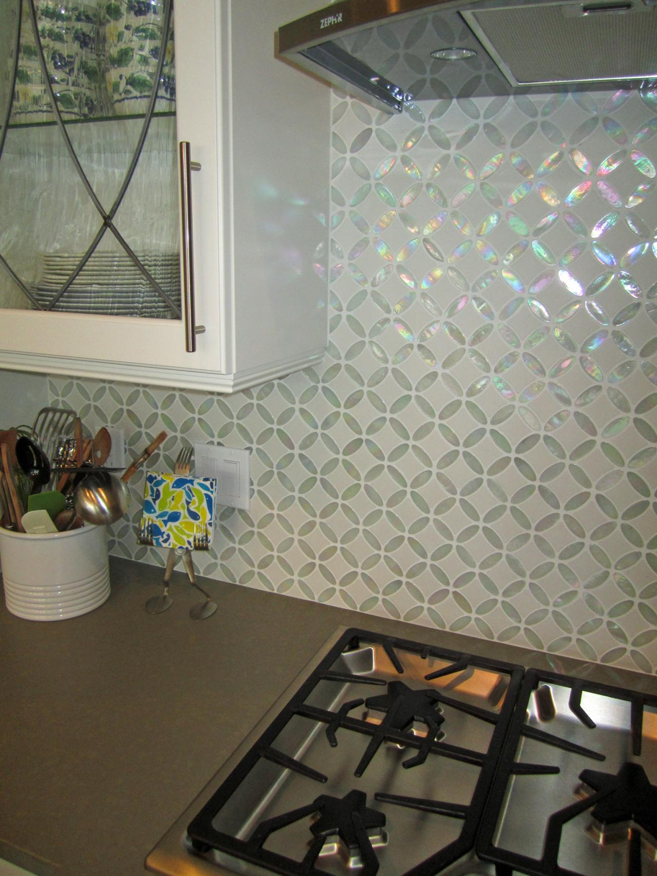 Photos hgtv Design kitchen backsplash glass tiles