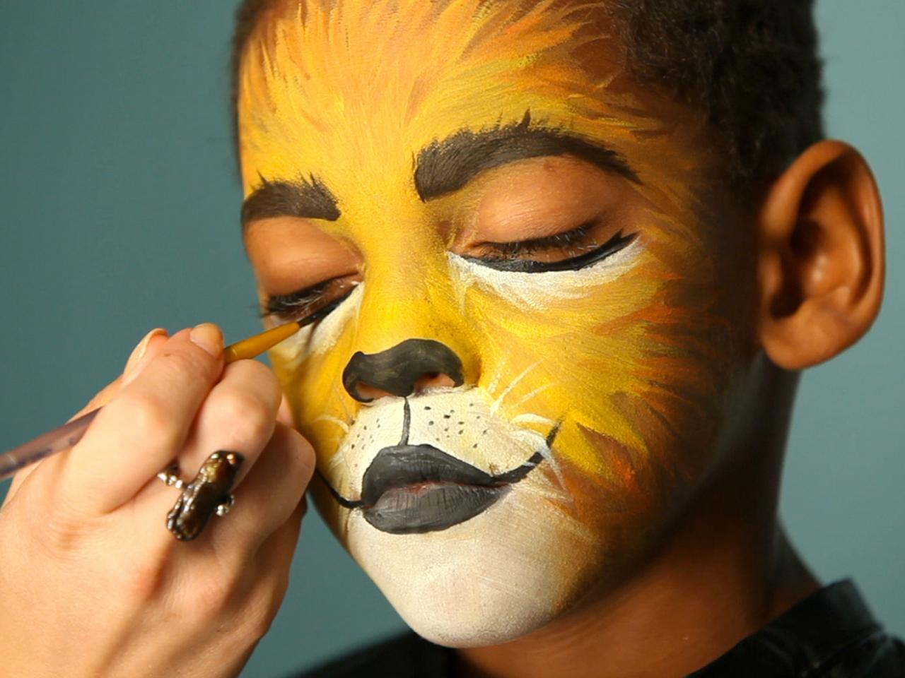 Uncategorized Cat Face Paint For Halloween kids halloween makeup tutorial lion hgtv create cat eyes