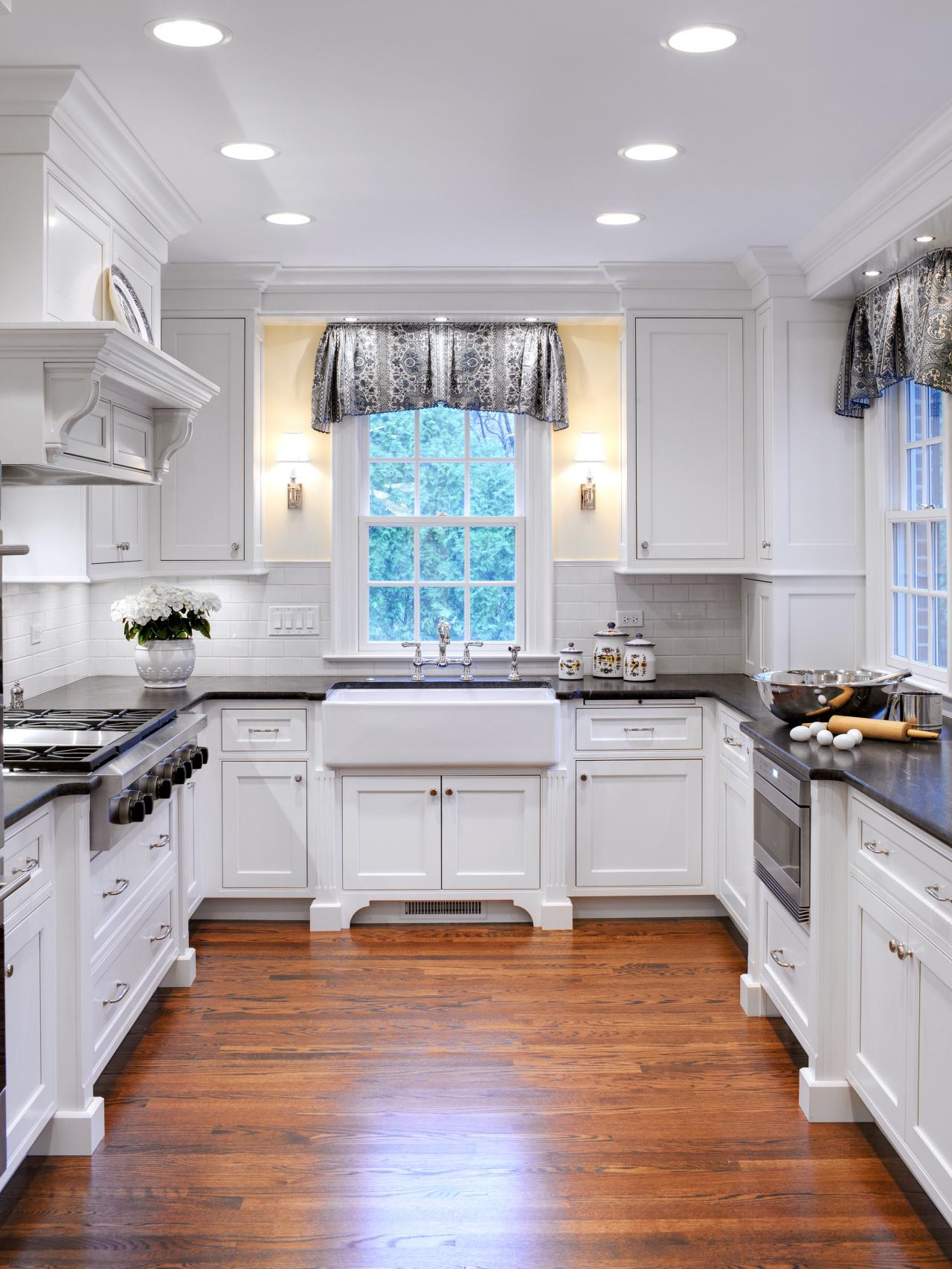 Designer Kitchen Window Treatments Hgtv Pictures Ideas Kitchen Ideas Design With Cabinets
