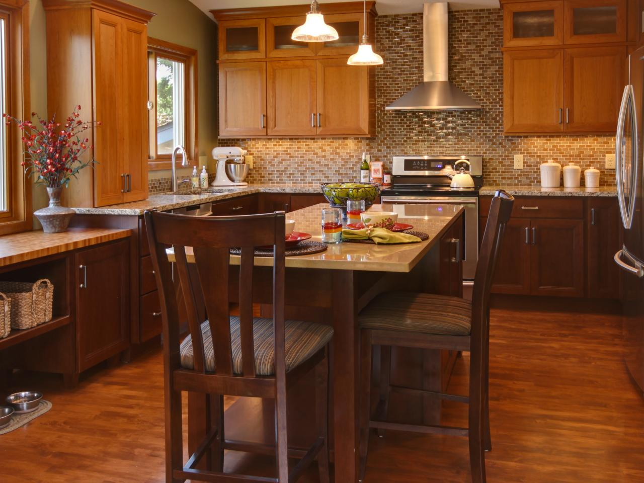 Kitchen Cabinet Paint Colors Pictures Ideas From Hgtv: Best Colors To Paint A Kitchen: Pictures & Ideas From HGTV