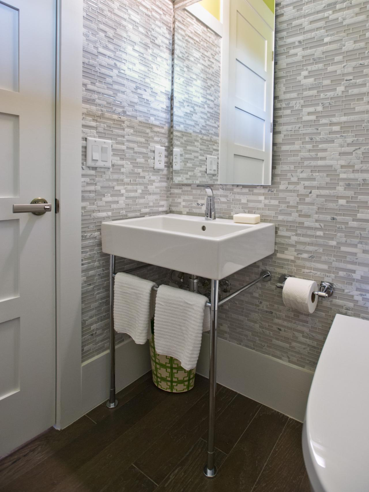 Powder rooms hgtv for Powder room vanities for small spaces
