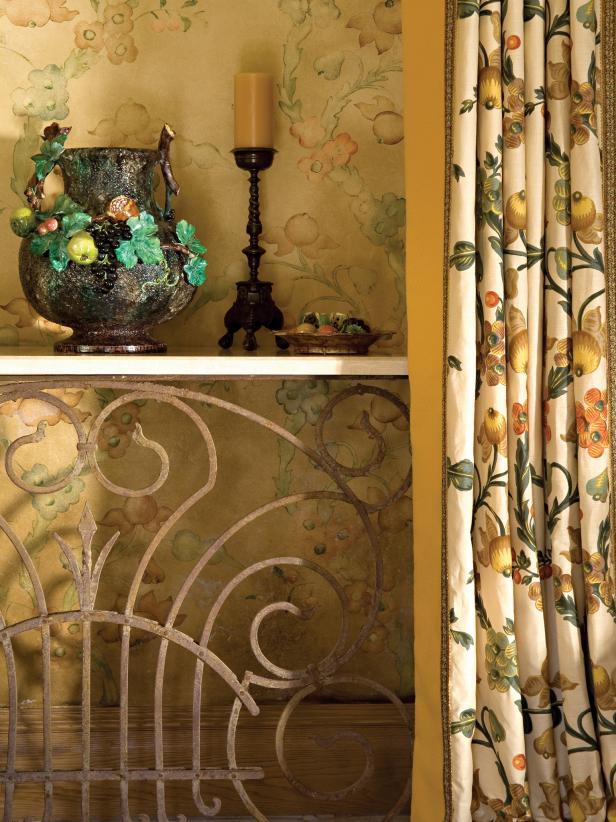 Decorated Shelf Inside Dining Room Niche