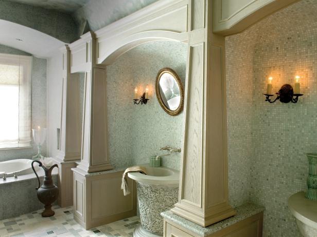 Green Bathroom WIth Columns & Mosaic Backsplash