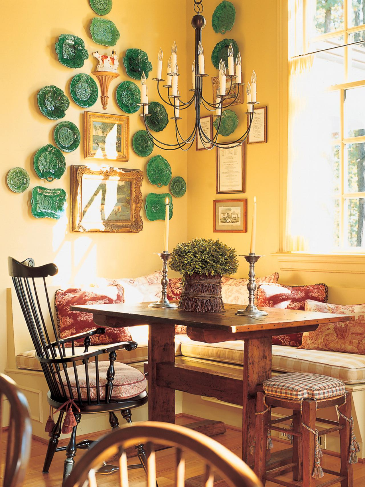 Yellow french country dining room hgtv for A dining room in french