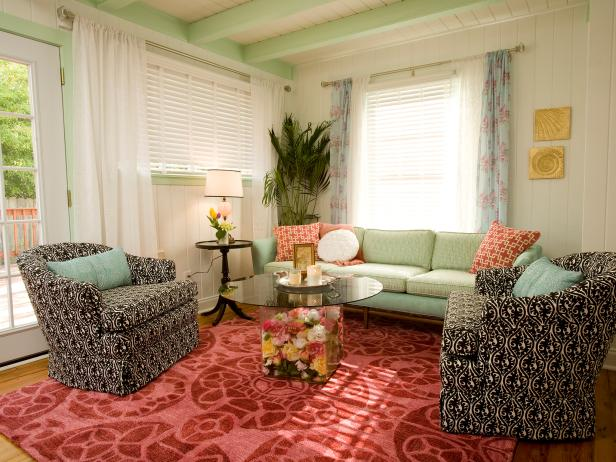 Country living room with bright upholstered furniture