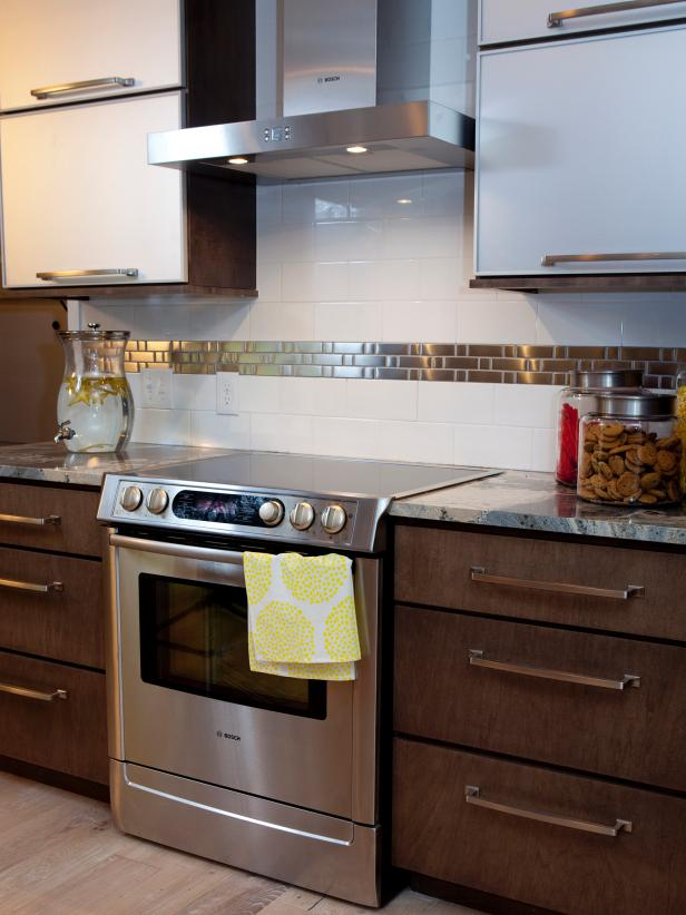 Modern kitchen stove and range hood