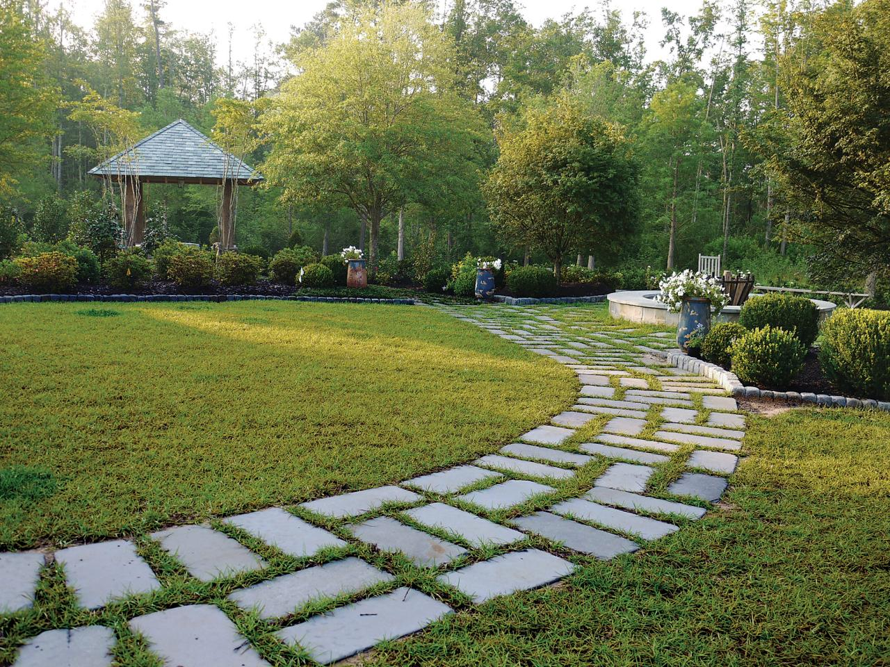 Landscape design supplies and materials hgtv for Home lawn design