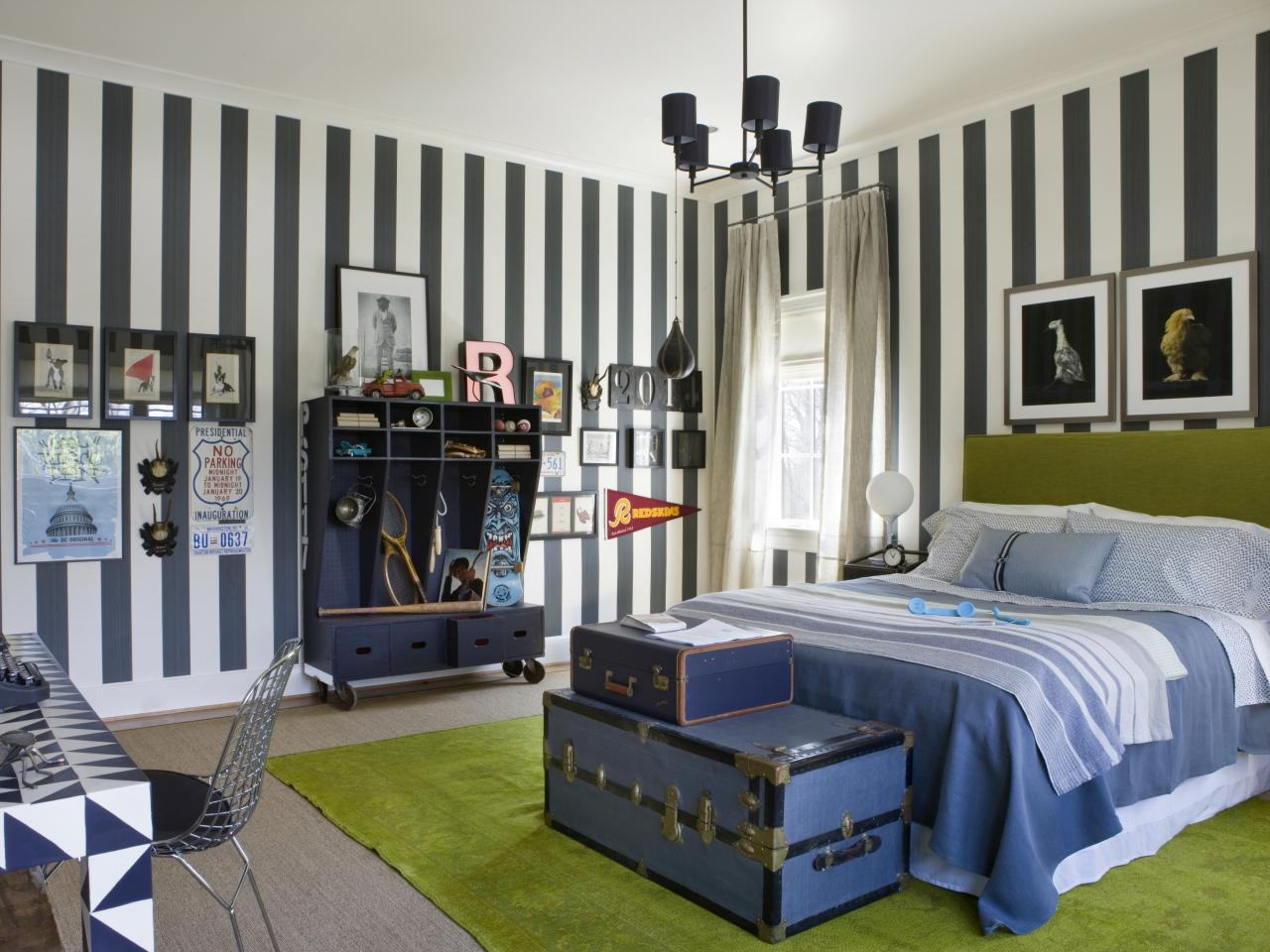 Photo page hgtv Bedroom designs for teenagers boys