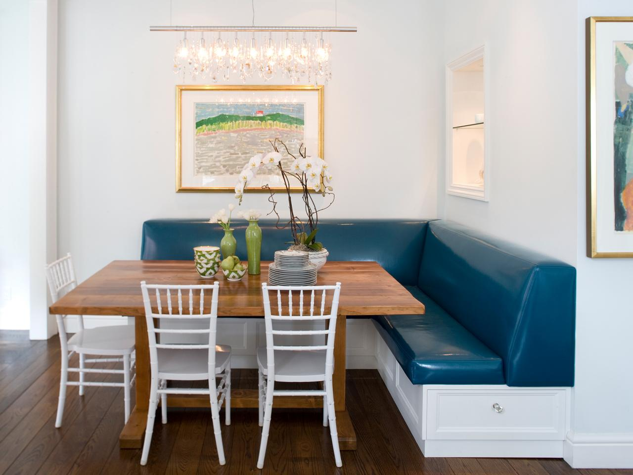12 Ways To Make A Banquette Work In Your Kitchen HGTVs