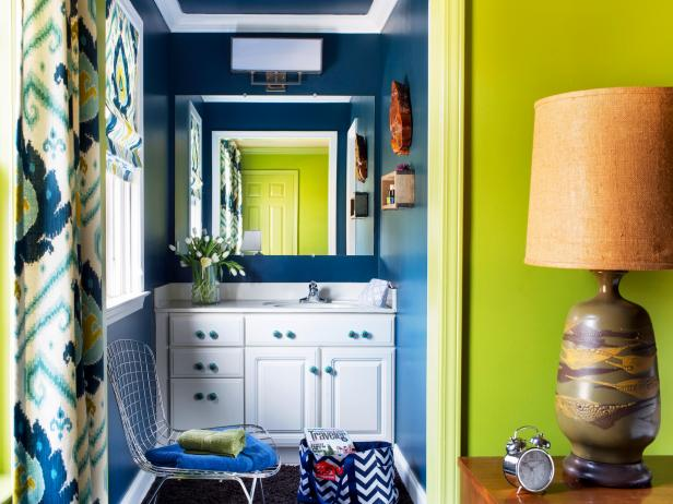 Small Bathroom With Bold Navy Blue Walls