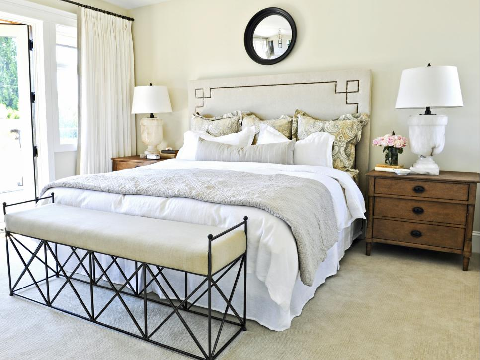 Designer tricks for living large in a small bedroom hgtv for Small bedroom design 10x10