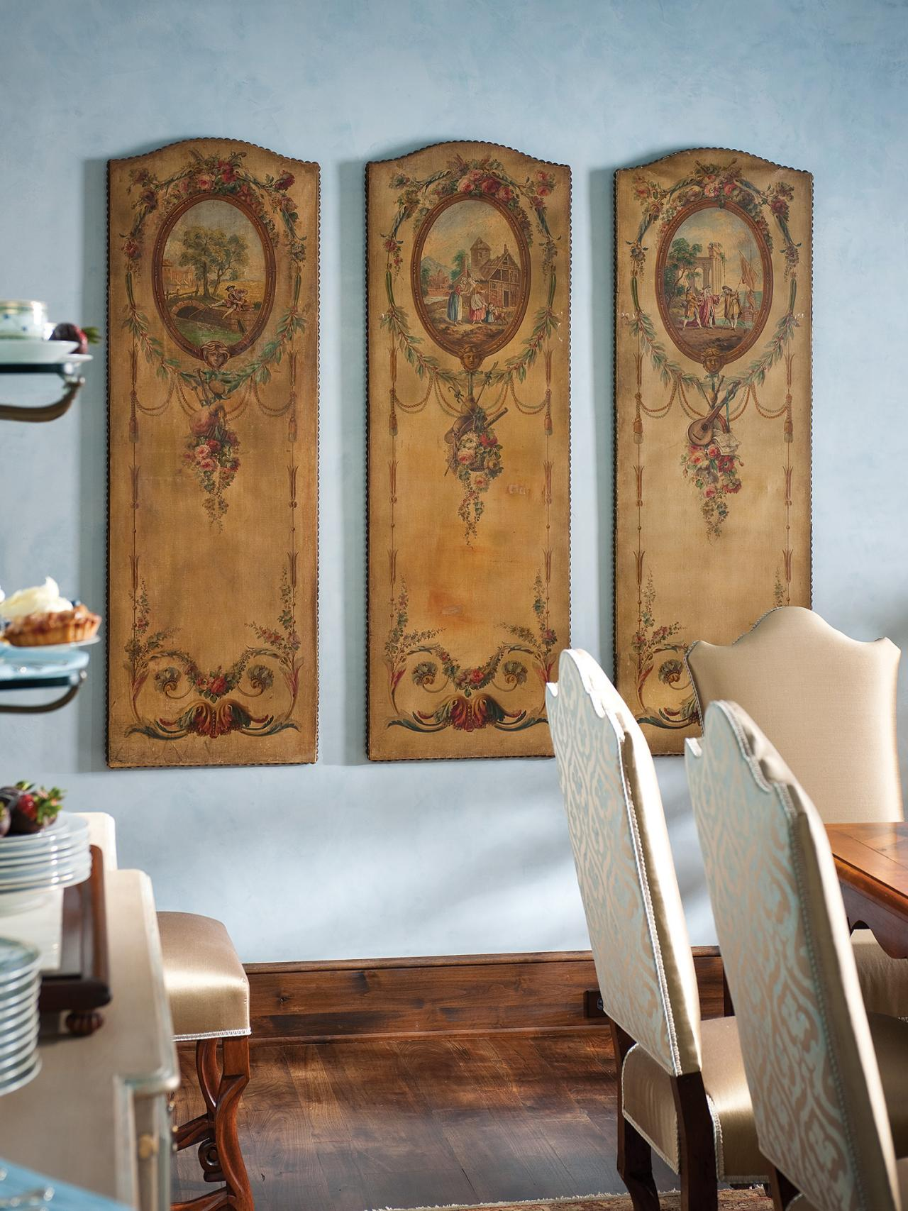 Photo page hgtv for Unique dining room wall decor