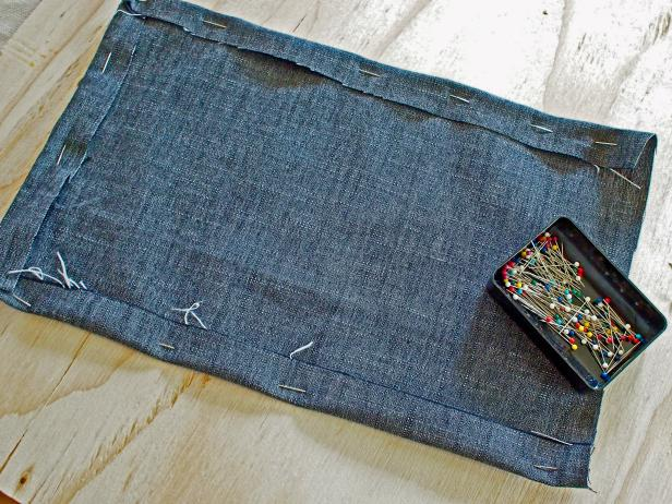 Original_Kristin-Guy-bespoke-apron-create-pocket_s4x3