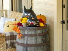 hgtv and food networks ultimate halloween party 50 photos - When To Decorate For Halloween