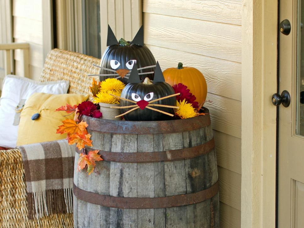 60 diy halloween decorations decorating ideas hgtv - Cute Halloween Decor