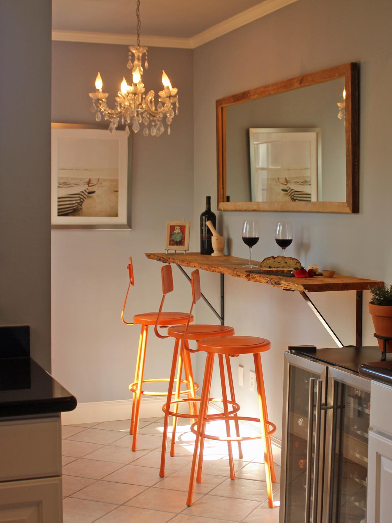 20 tips for turning your small kitchen into an eat in Breakfast nook bar ideas