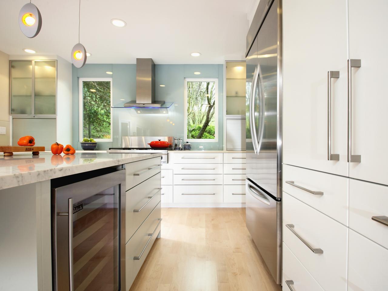 Modern White Kitchen Pics: Photo Page