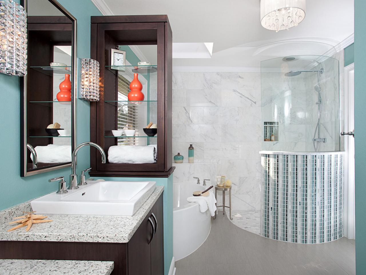 Bathroom decorating tips ideas pictures from hgtv hgtv for Bathroom decor colors
