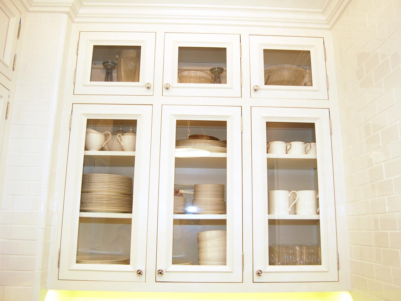 Photos hgtv Glass cabinet doors