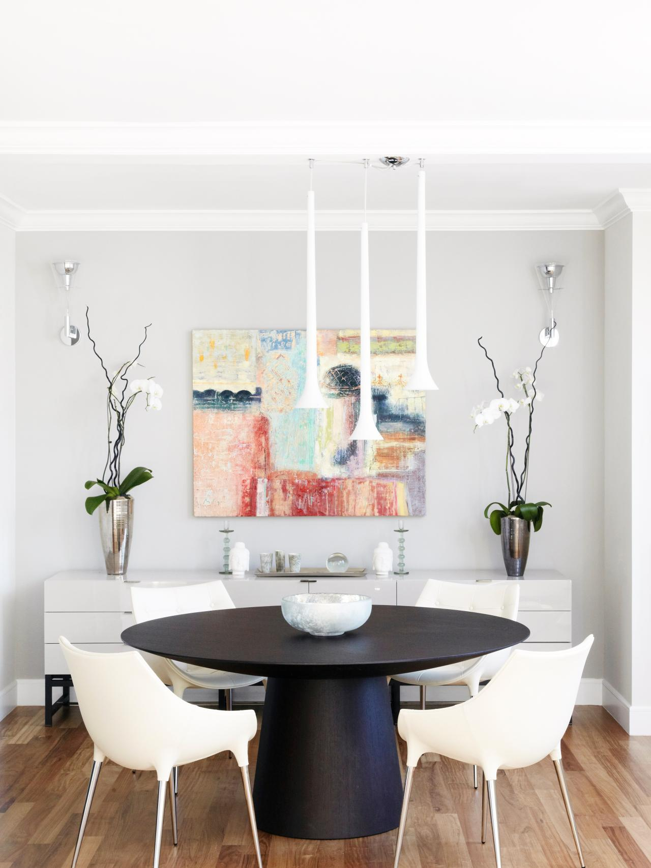 Photos hgtv for Wall art for dining room contemporary