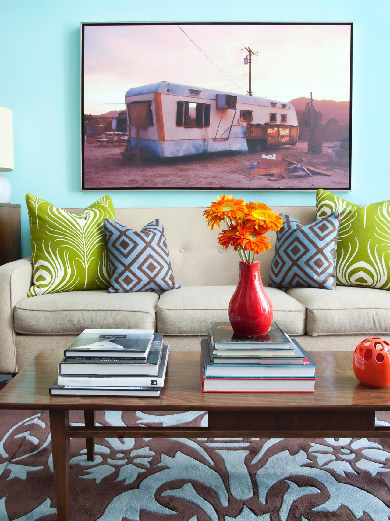 Cool Living Room Aqua Walls Create A Relaxing Canvas For
