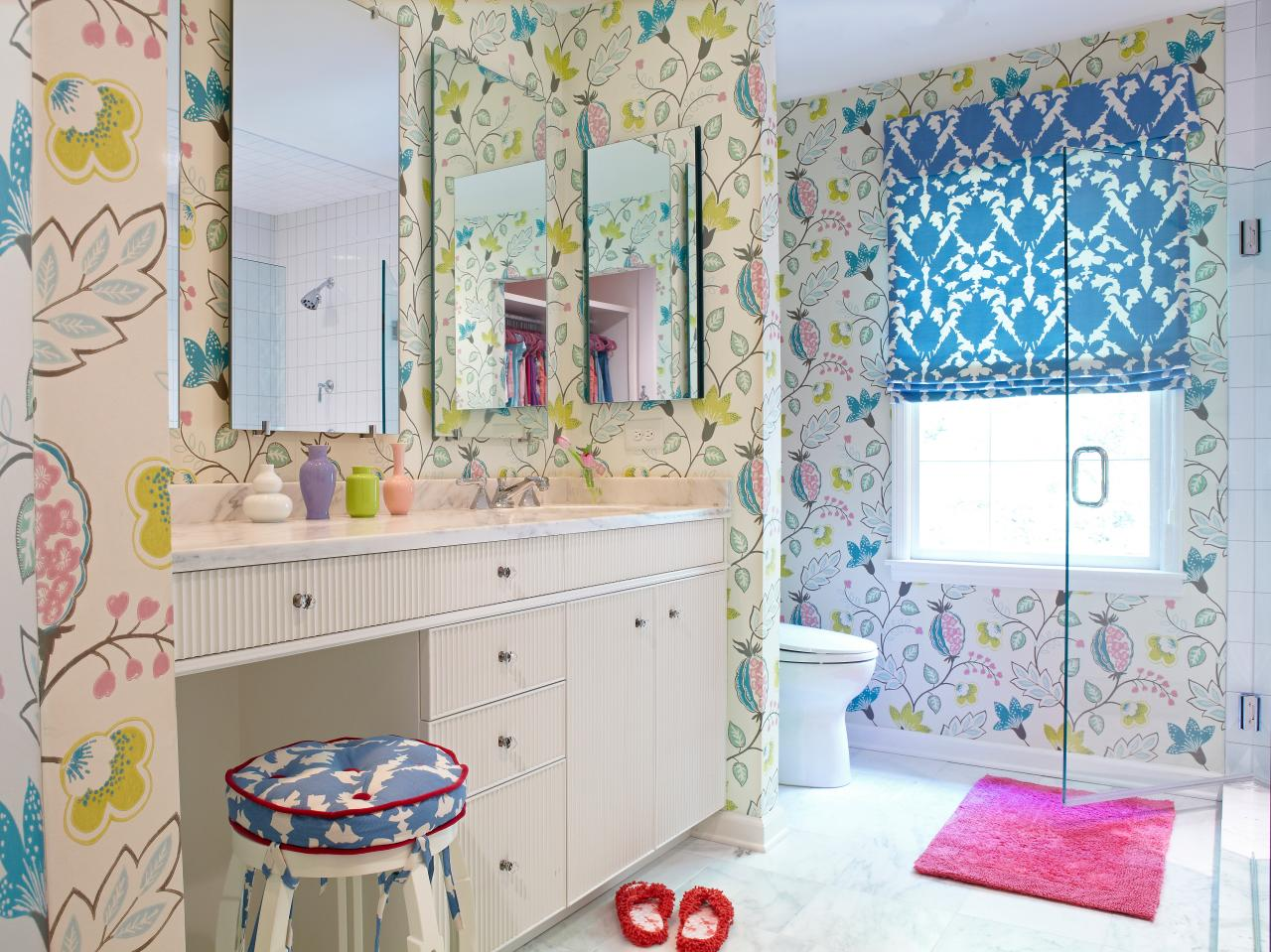 Girl 39 s bathroom decorating ideas pictures tips from for Bathroom designs for girls