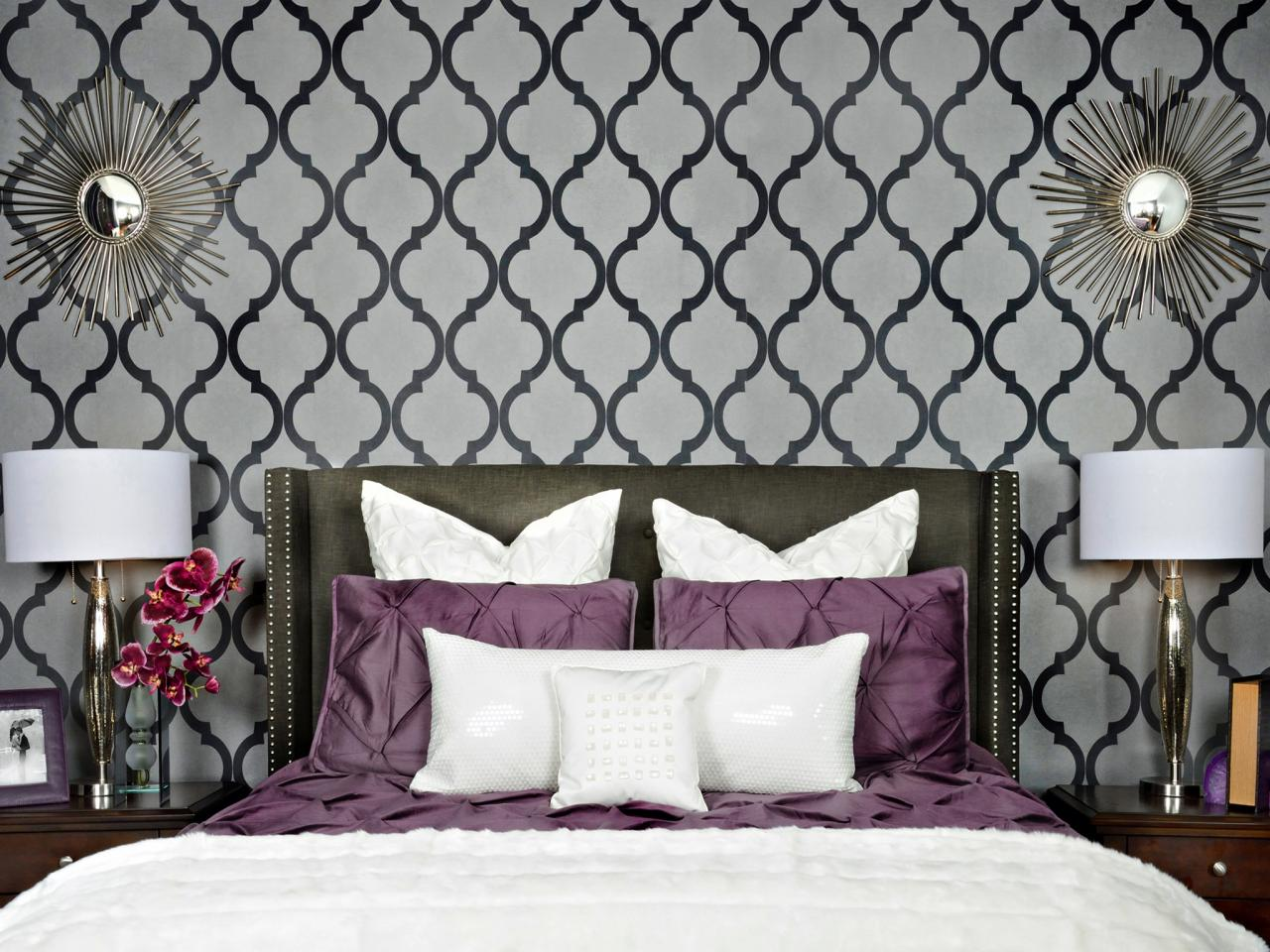 Light gray bedroom black furniture bedroom category for Gray wallpaper bedroom
