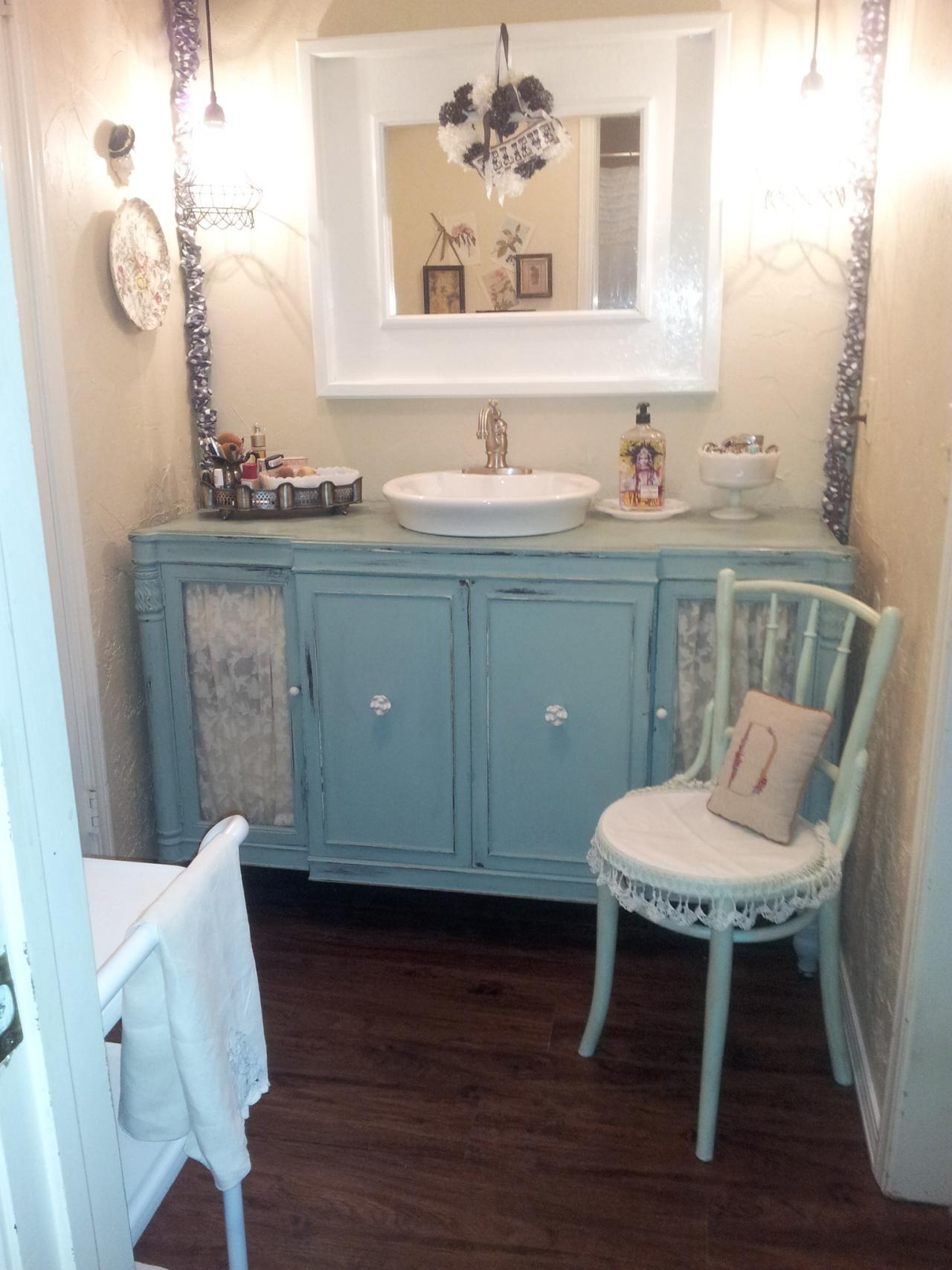 Country Bathroom Vanities HGTV - Blue bathroom vanity cabinet for bathroom decor ideas