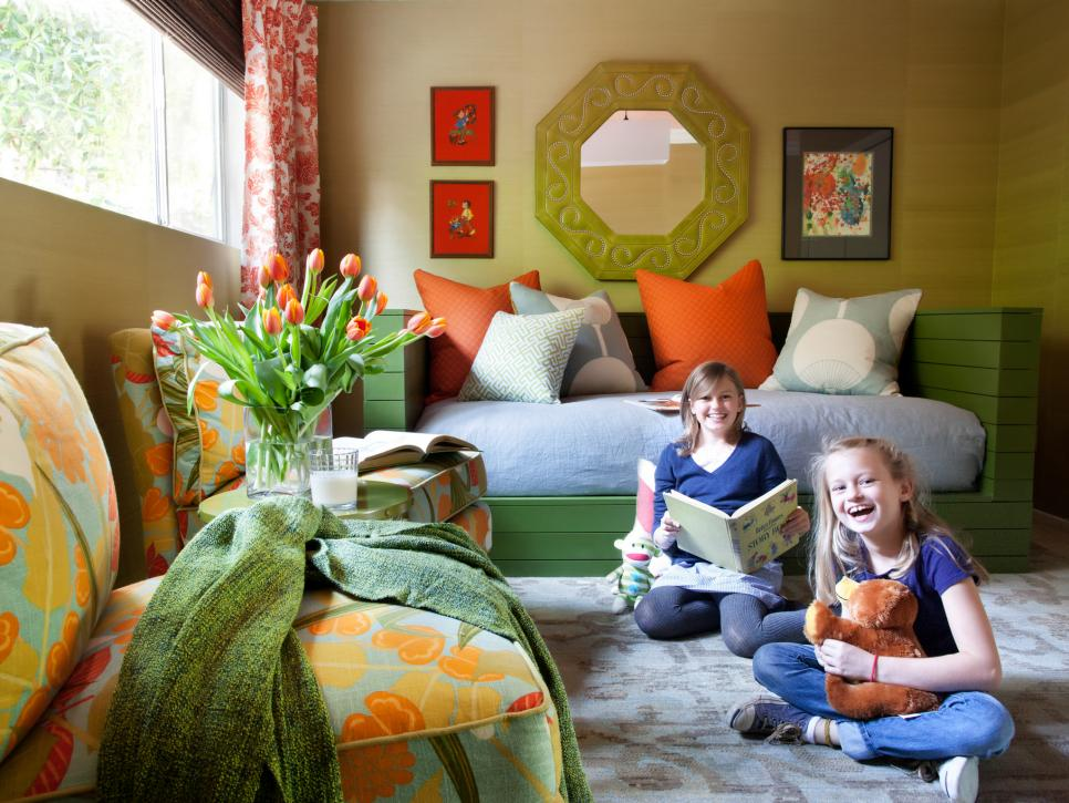A kids 39 room makeover the whole family can enjoy hgtv for Kids room makeover