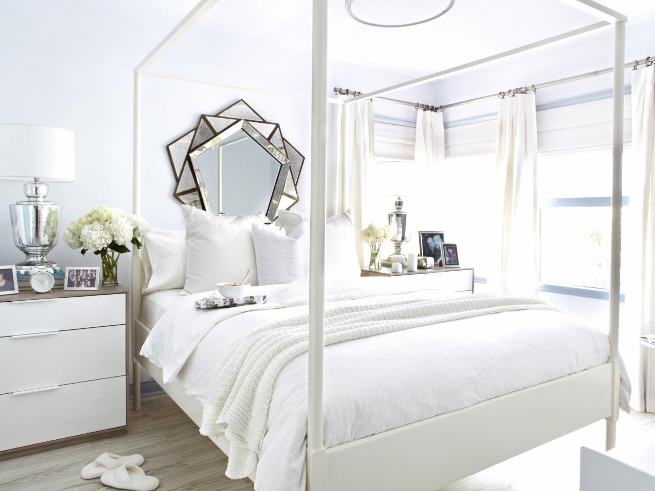 White on white guest bedroom makeover bedrooms bedroom for Decoration fenetre ikea