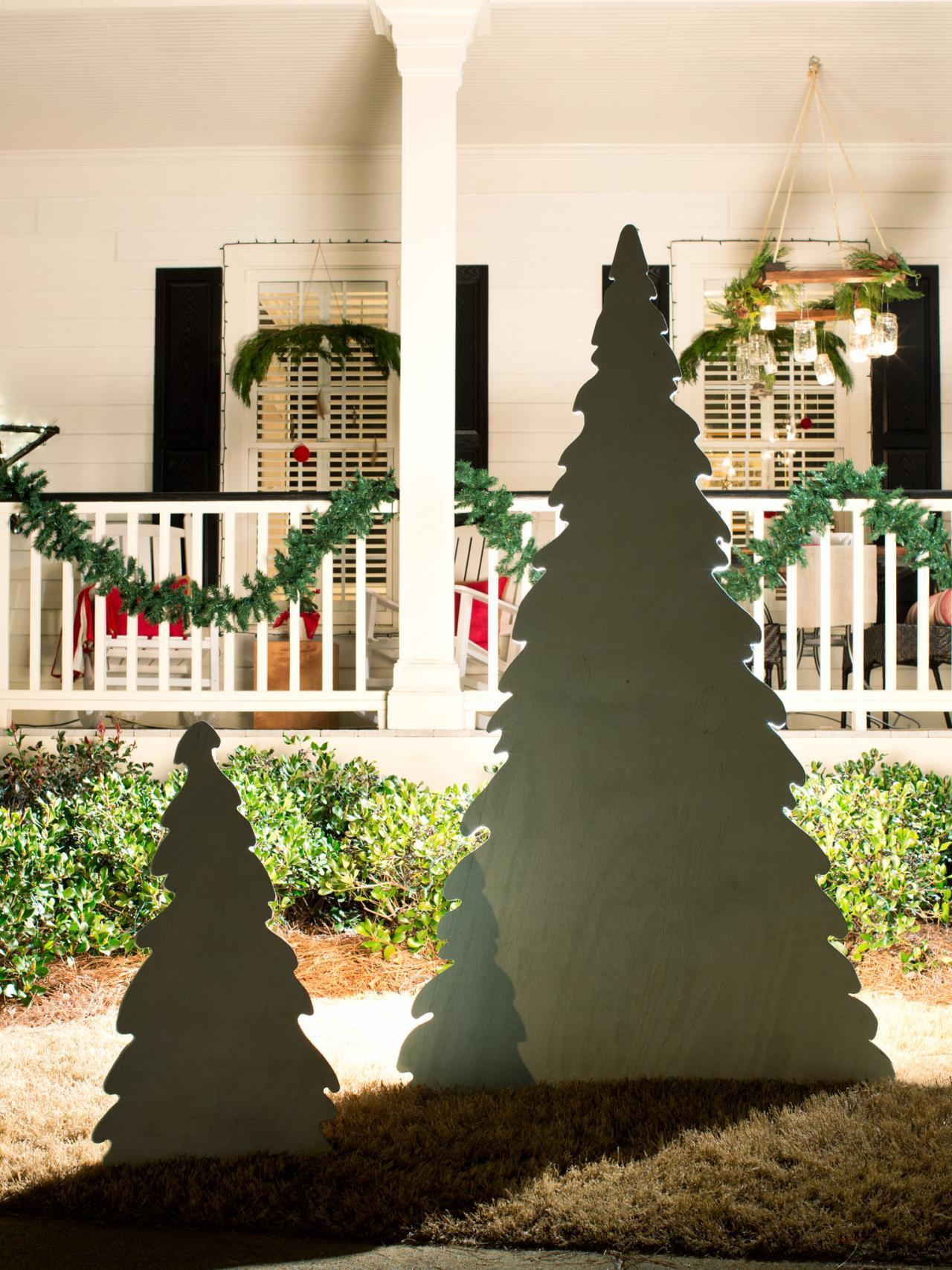 How to decorate tall outdoor christmas tree - Alternative Christmas Tree Ideas Hgtv S Decorating Design Blog Hgtv