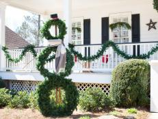 Trio of Wreaths Create Snowman Scrupture