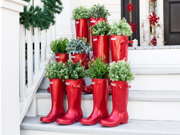 BPF_holiday-house_exterior_natural_porch_decorating_boot_planters_h