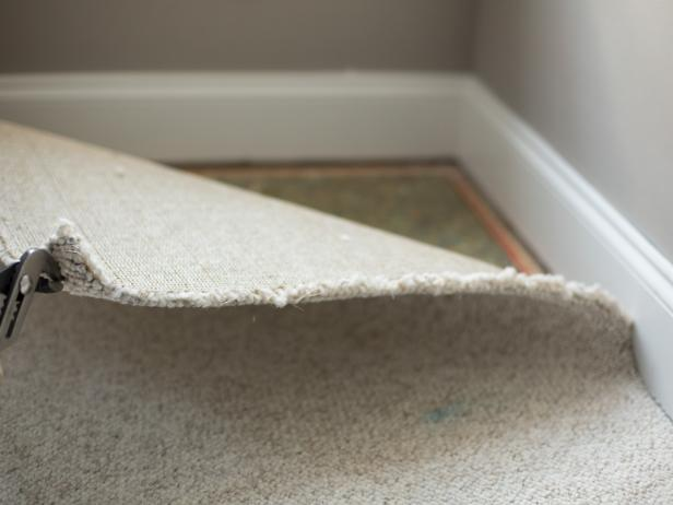 BPF_original_removing-wall-to-wall-carpeting_step-2_4x3