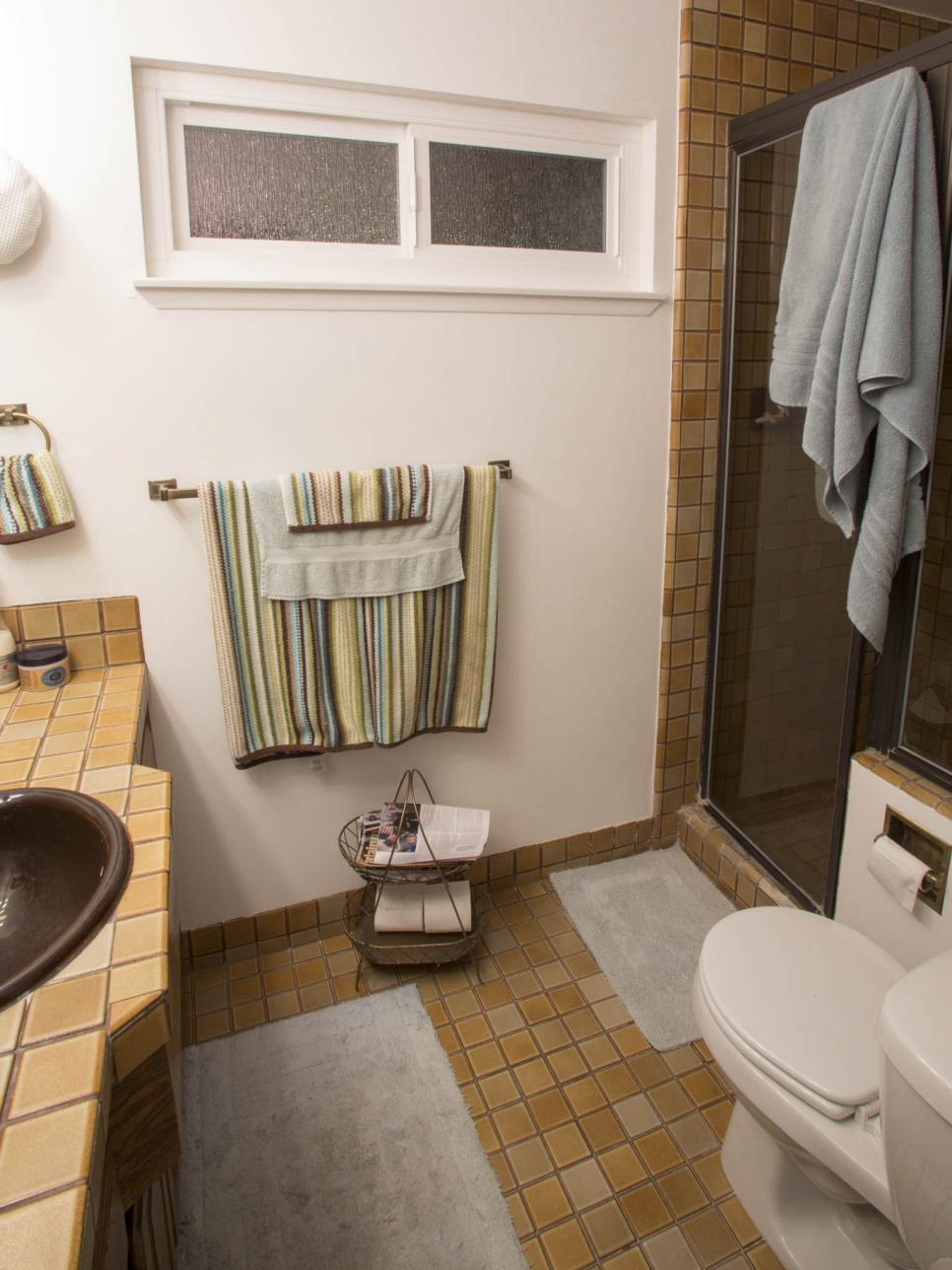 Small Bathroom Before And Afters HGTV - Simple bathroom renovations for small bathroom ideas