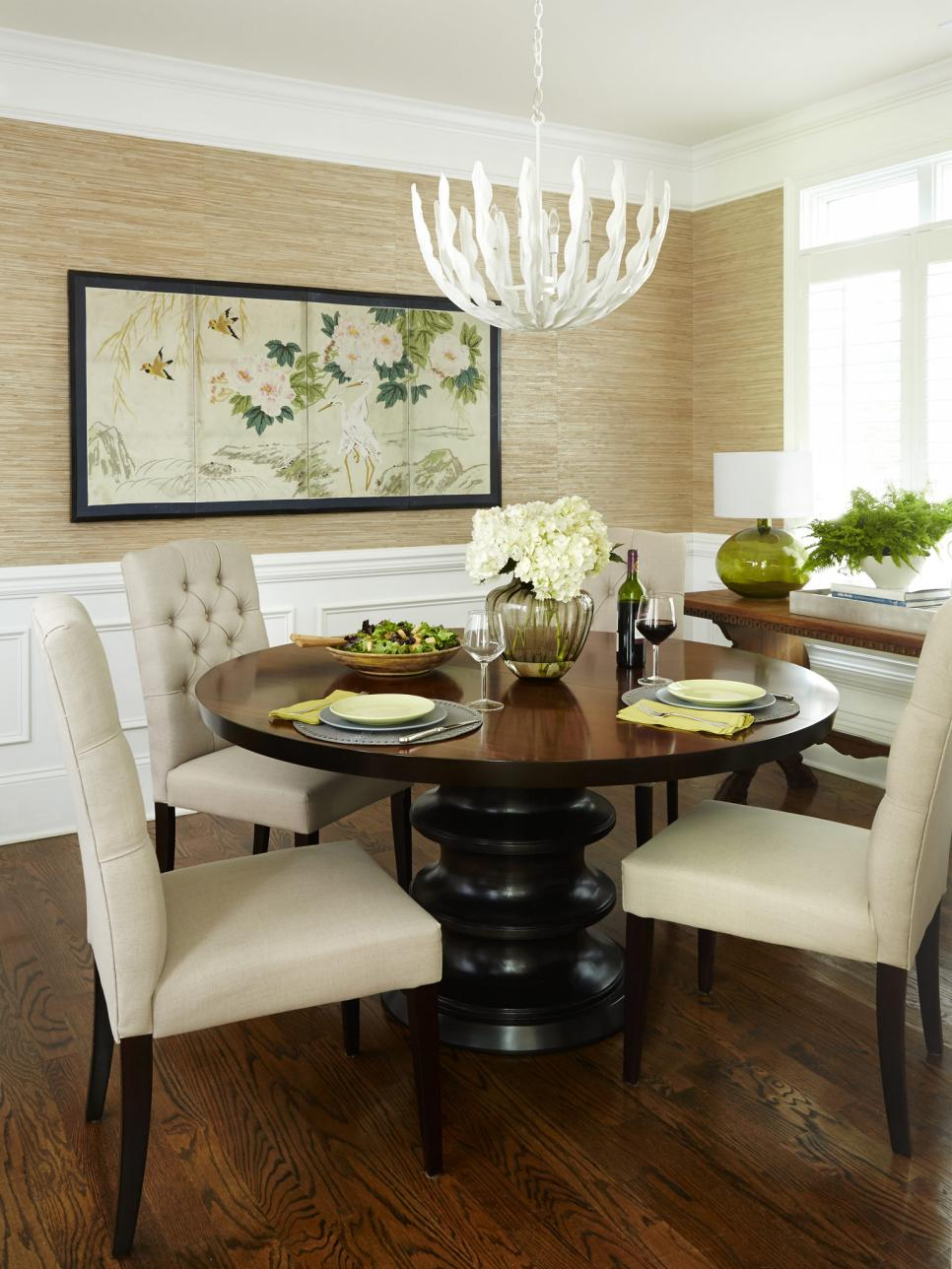Stylish condo living hgtv for Dining room 101 heswall
