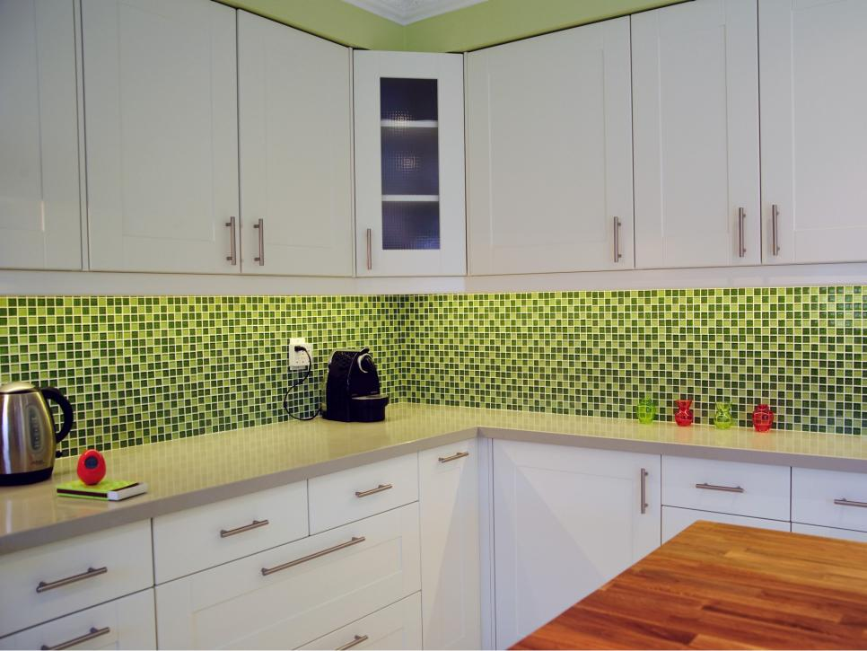 30 colorful kitchen design ideas from hgtv hgtv green backsplash houzz
