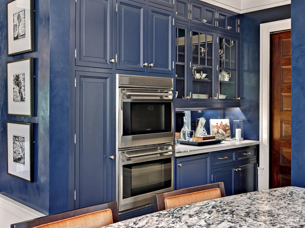 30 colorful kitchen design ideas from hgtv kitchen ideas for Dark blue kitchen cabinets
