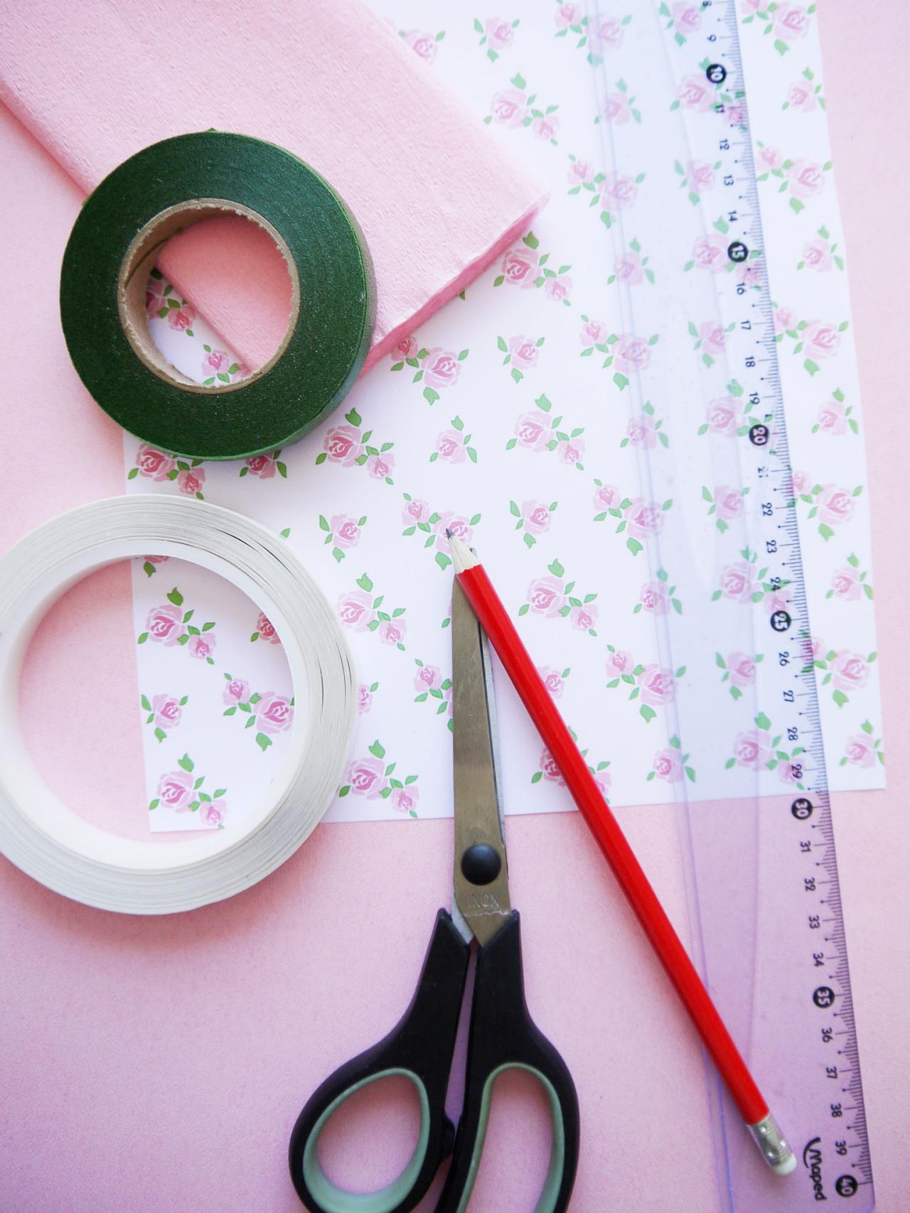 How to Make Wedding Confetti Cones | HGTV - photo#50