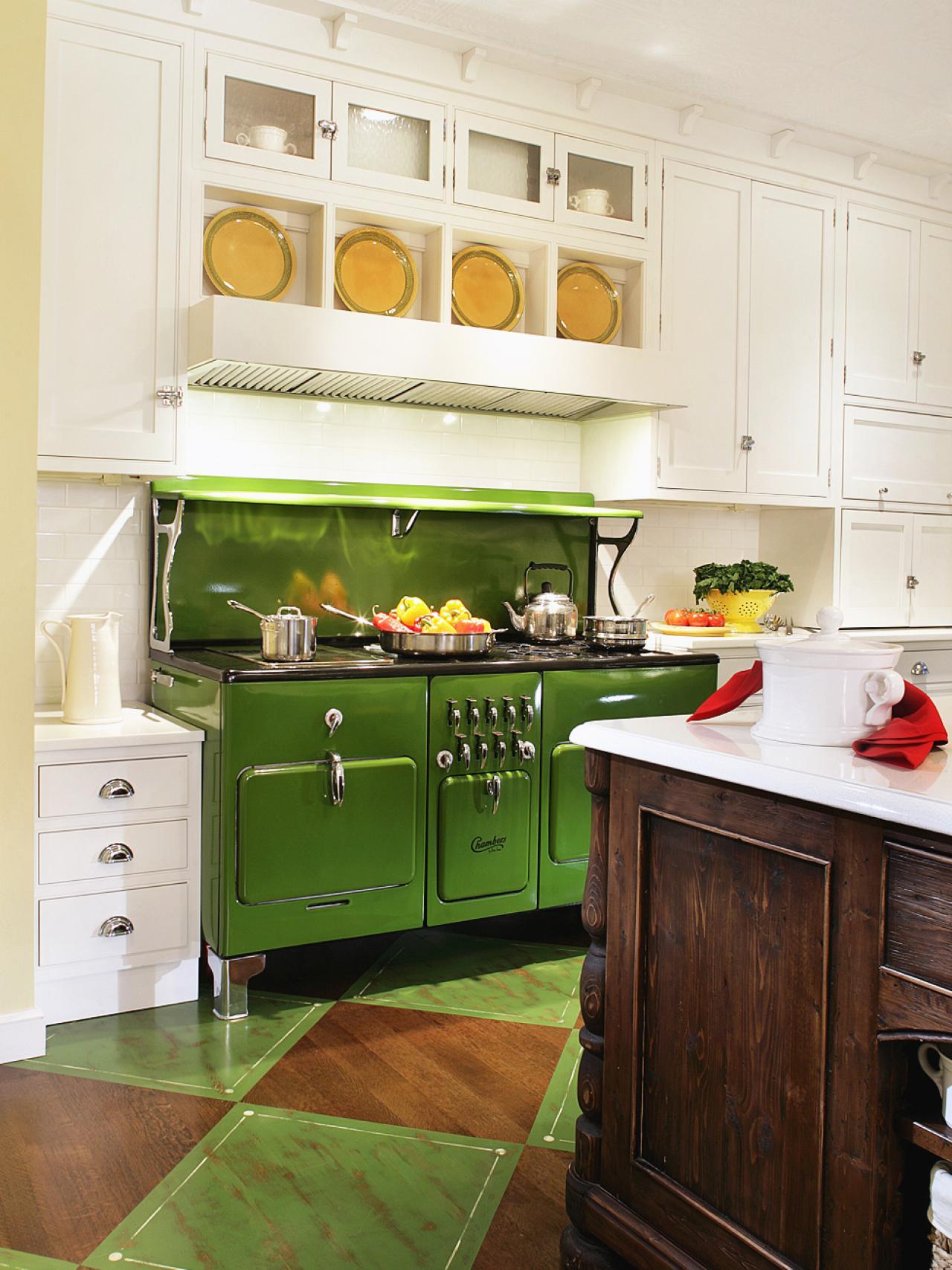 kitchen with vintage green stove to ensure the vintage apple green