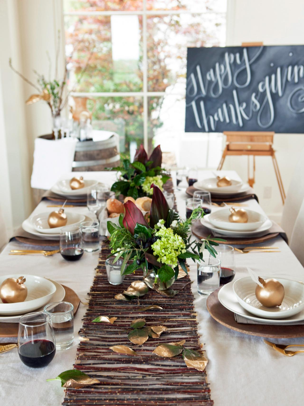 20 thanksgiving table setting ideas and recipes for Dining table decoration ideas home