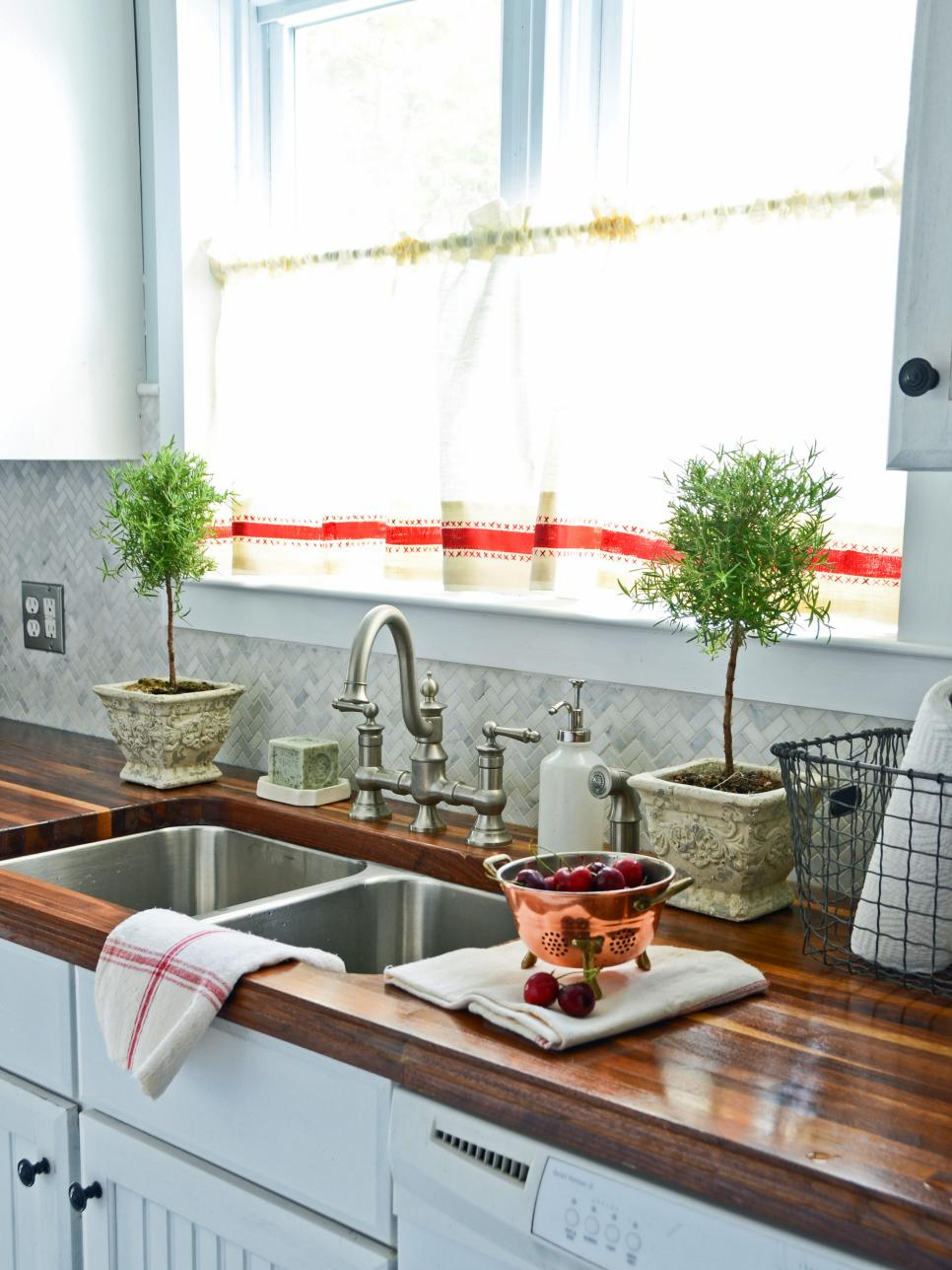 10 diy ways to spruce up plain window treatments hgtv for Kitchen ideas no window