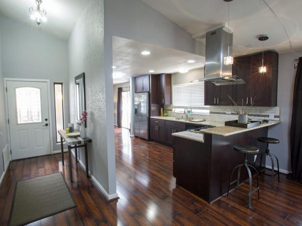 Pintu masuk dan Kitchen Dengan Kayu Laminate Flooring