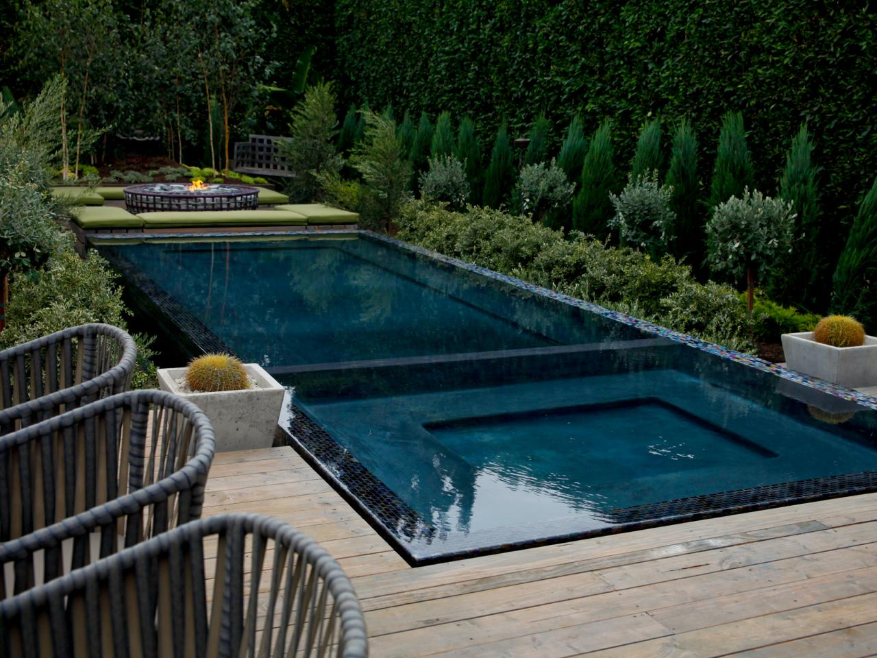 Photos hgtv for Infinity pool design
